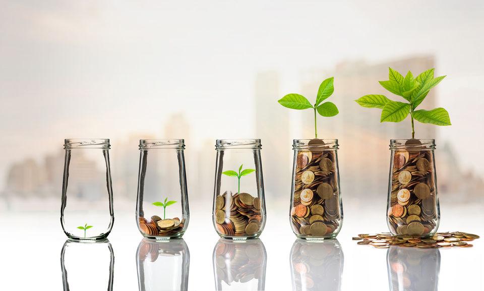 30代から始めたい資産形成!リスクの少ない資金運用方法も紹介